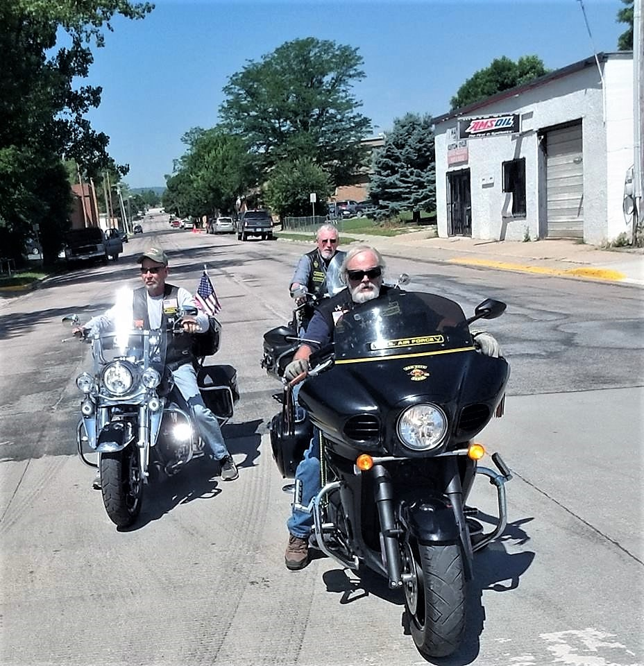 NR 2018 .. Nam Vets Ridin' Downtown Sturgis